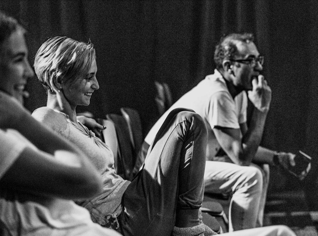 """Próba """"Wariacji pożądania"""", od lewej: Izabela Kubrak (aktorka), Katarzyna Anna Małachowska (choreografka, asystentka reż.), Rafał Dziwisz (reżyser)"""