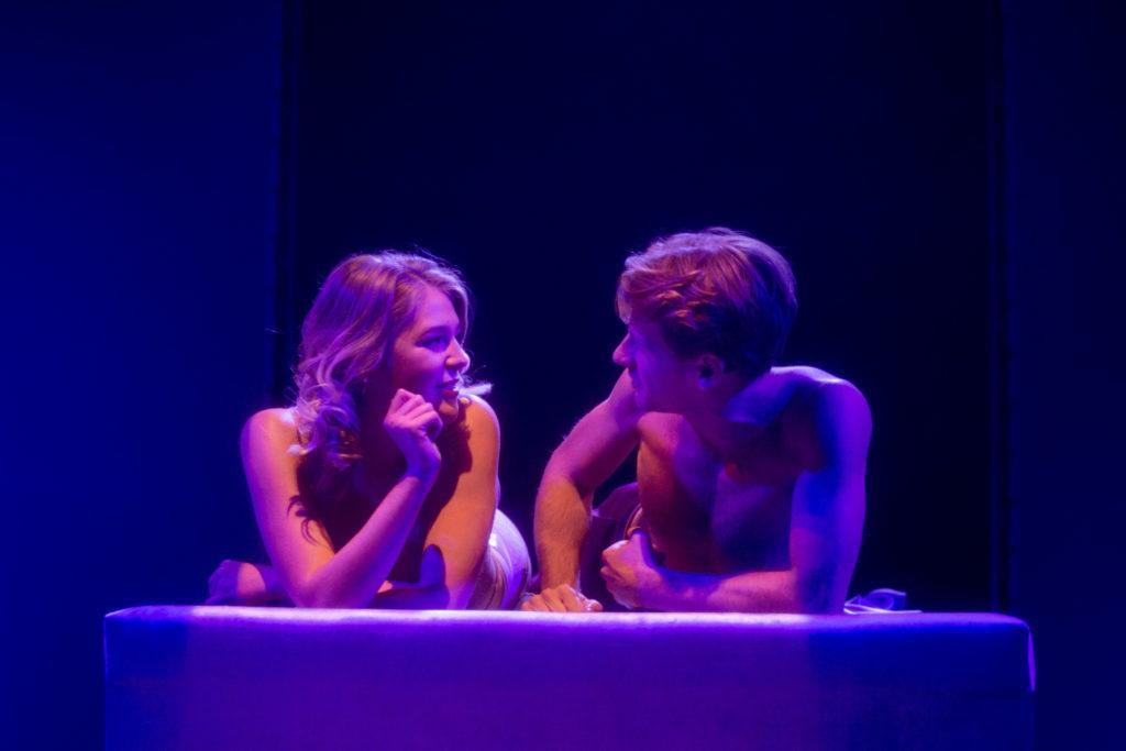 Zdjęcie ze spektaklu - Izabela Kubrak i Patryk Szwichtenberg